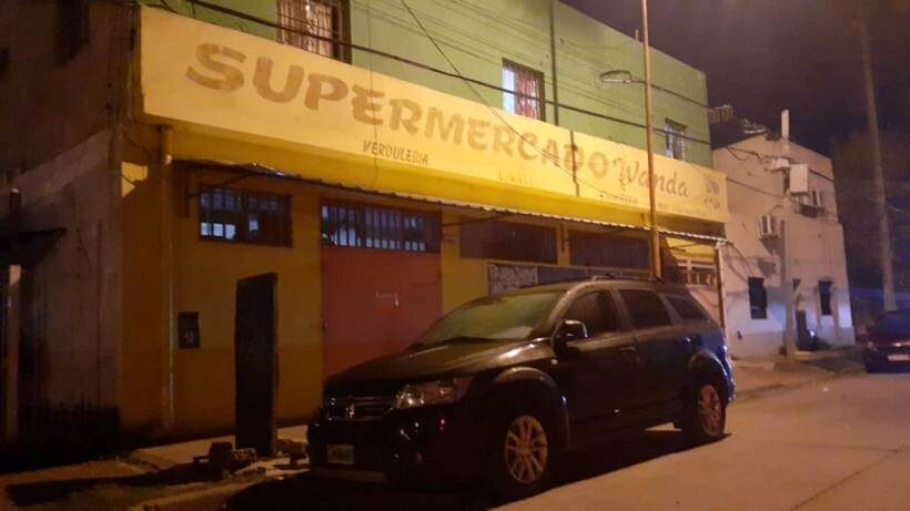 Una mujer con síntomas de coronavirus murió en el edificio de un supermercado chino