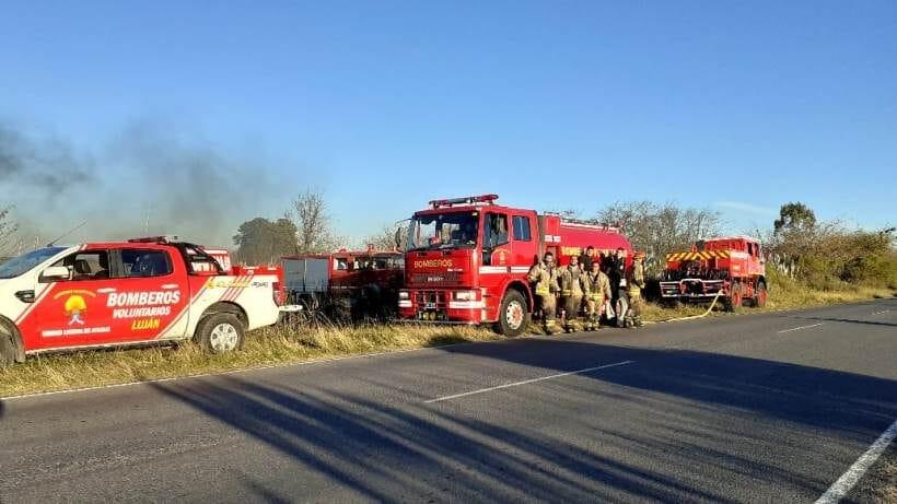 Incendio forestal camino a Navarro