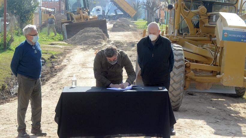 Anunciaron la construcción de 23 nuevas cuadras de asfalto