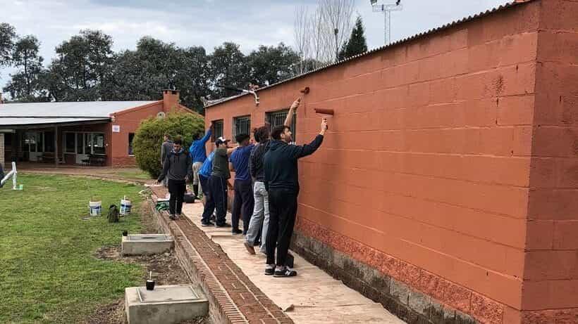 Los jugadores de Luján Rugby Club realizaron trabajos en La Loma