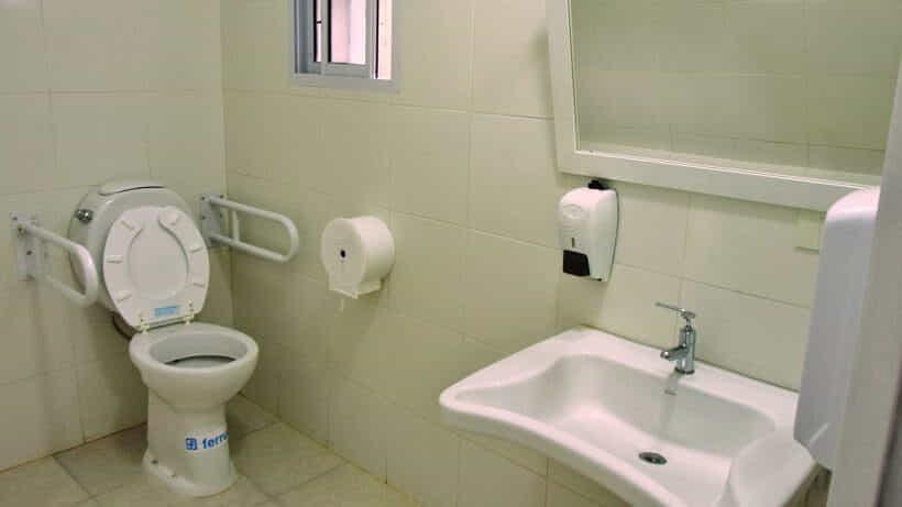 El Palacio Municipal ya cuenta con un baño para personas con discapacidad